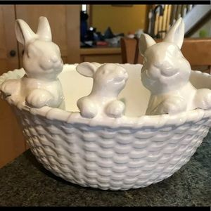 New pottery barn Easter serving bowl